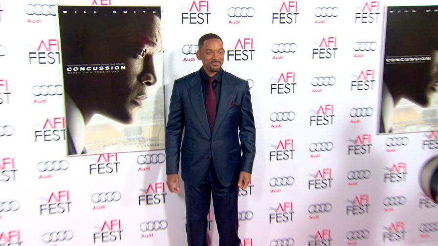 FRANCE ONLY - Will Smith and more at the Concussion Premiere