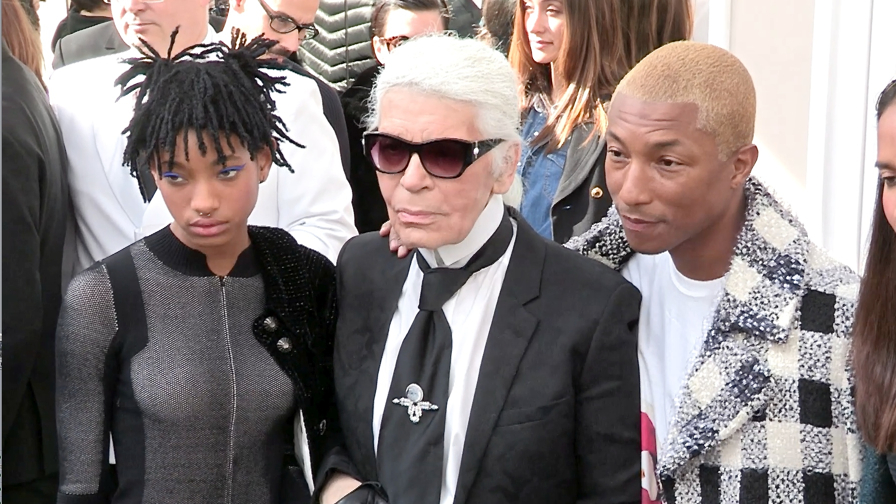 DO NOT CREDIT - Karl Lagerfeld greetings after Chanel Fashion Show in Paris