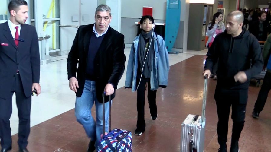 EXCLUSIVE: Willow Smith arriving at Paris airport