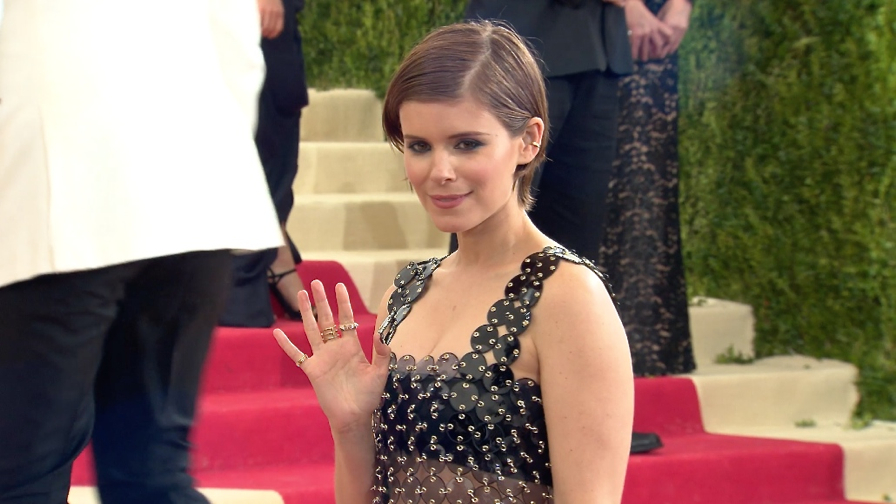 FRANCE ONLY - Kate Mara at the 2016 Met Gala