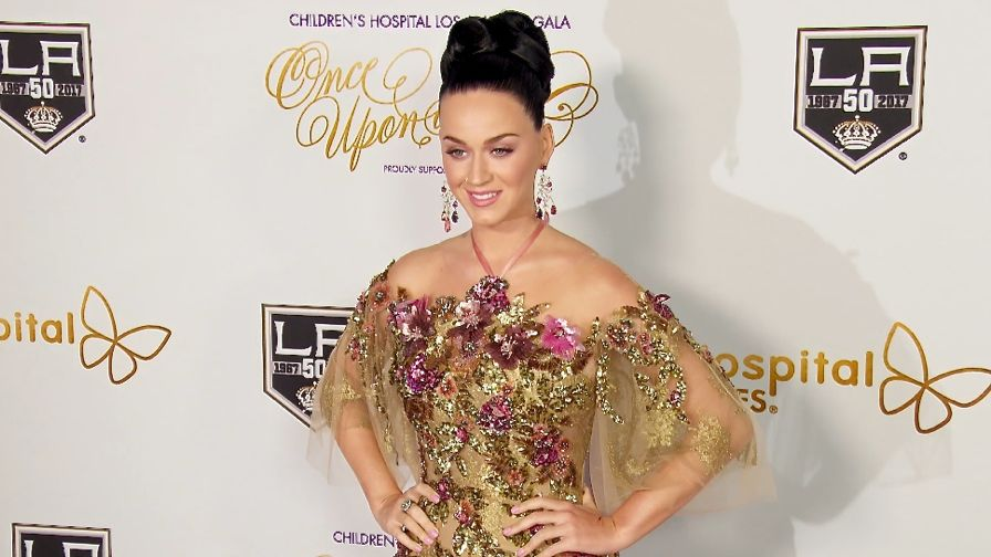 FRANCE ONLY - Katy Perry, Drew Barrymore and more at Children s Hospital LA Once Upon A Time Gala