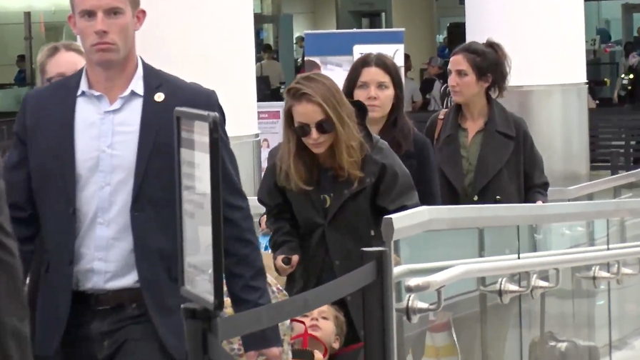 FRANCE ONLY - EXCLUSIVE - Natalie Portman And Son Aleph Strolling Through LAX
