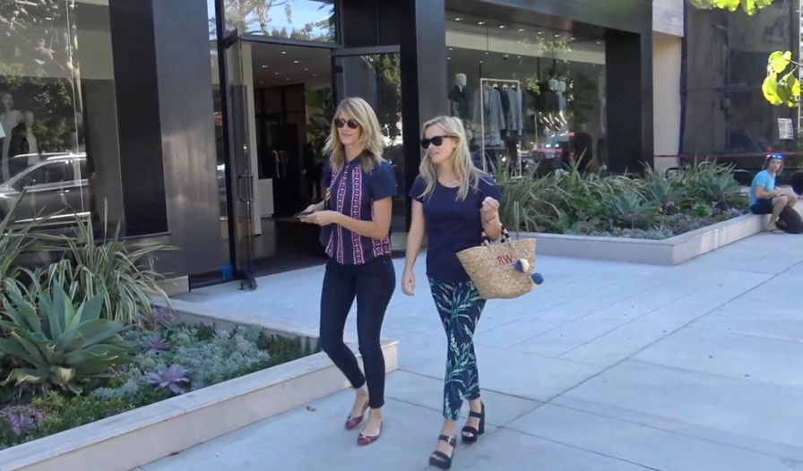 FRANCE ONLY - Reese Witherspoon And Laura Dern On A Shopping Spree