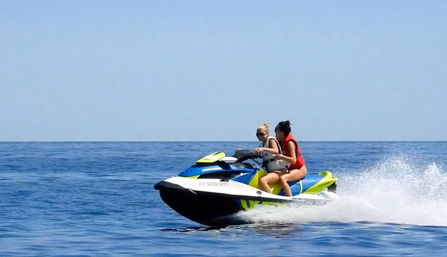 EXCLUSIVE : Sofia Richie jet skiing in Monaco