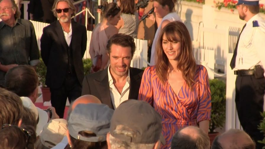 Couple Doria Tellier and Nicolas Bedos on the red carpet of the 2017 Cabourg Film Festival