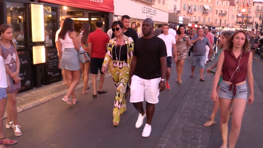 EXCLUSIVE - Kris Jenner and Corey Gamble romantic dinner in the port of Saint Tropez