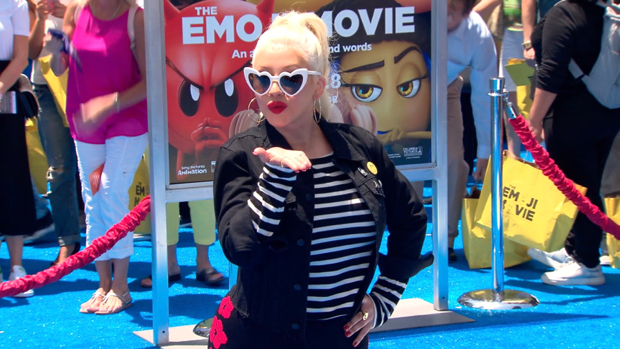 FRANCE ONLY - Christina Aguilera, Anna Faris, Tori Spelling and more at The Emoji Movie Premiere
