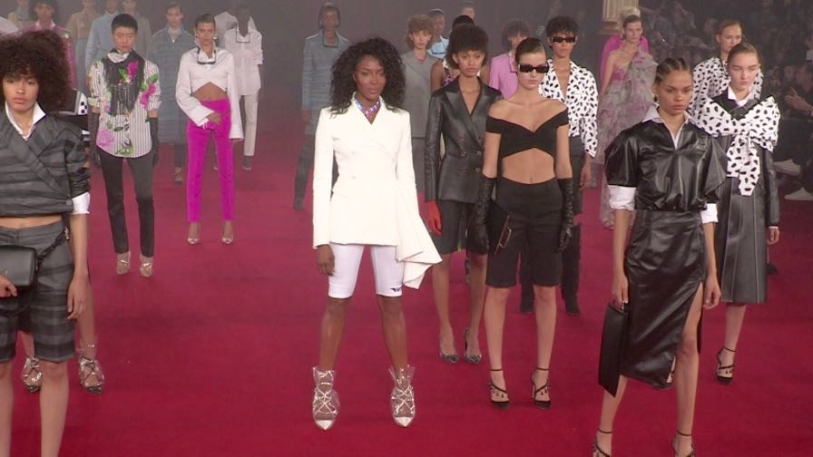 Models Kaia Gerber, Naomi Campbell and more on the runway for the Off White Fashion Show