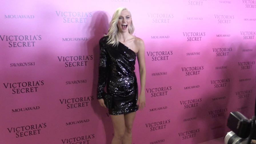 Karlie Kloss on the Pink Carpet after the Victoria Secret Fashion Show in Shanghai