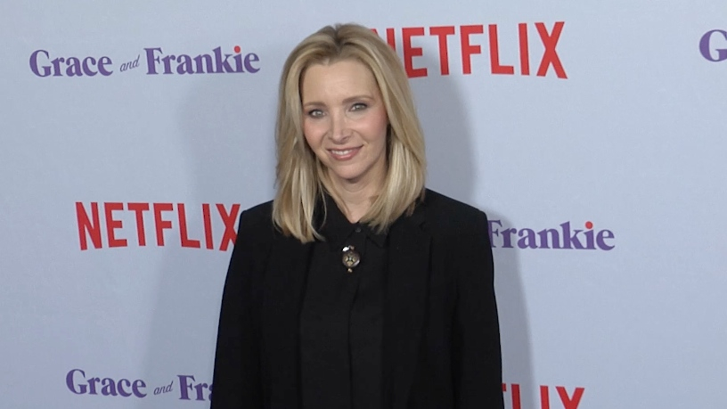 Lisa Kudrow at Grace and Frankie Season 4 premiere