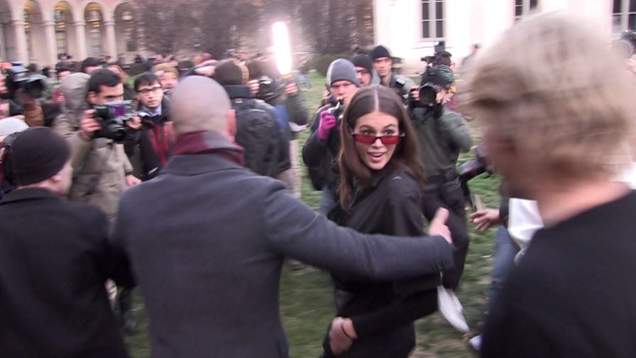 Supermodel Kaia Gerber gets swarmed by her fans after the Alberta Ferretti Fashion Show