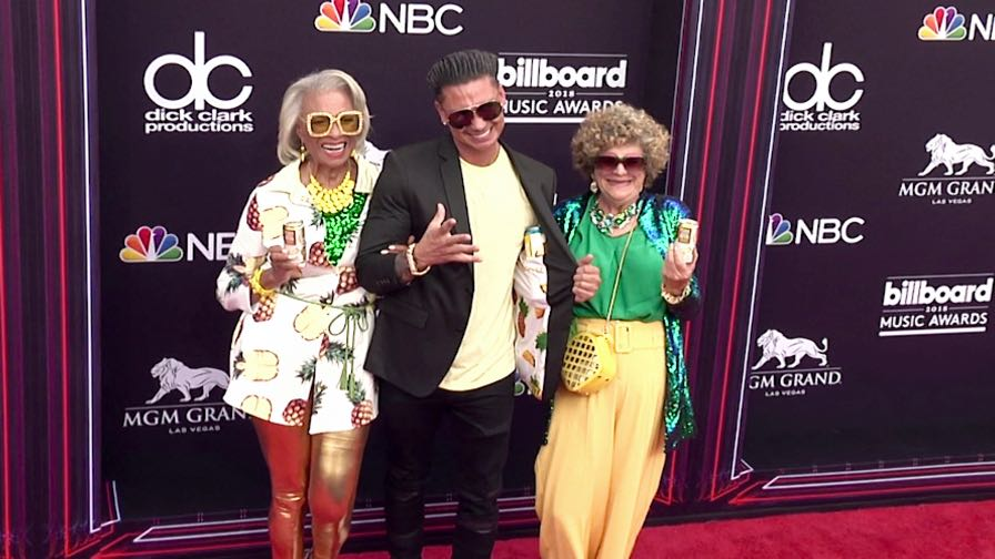 DJ Pauly D on the red carpet for the 2018 Billboard Music Awards