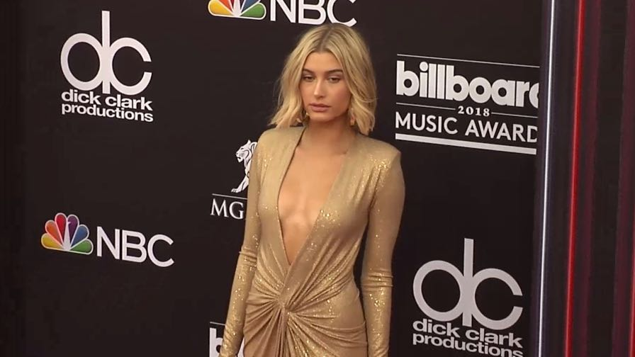 Hailey Baldwin on the red carpet for the 2018 Billboard Music Awards
