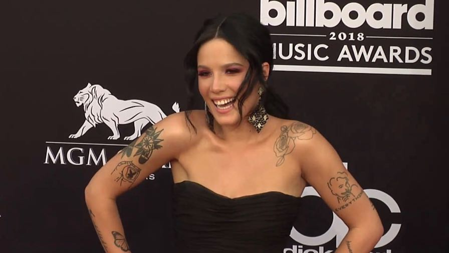 Halsey on the red carpet for the 2018 Billboard Music Awards