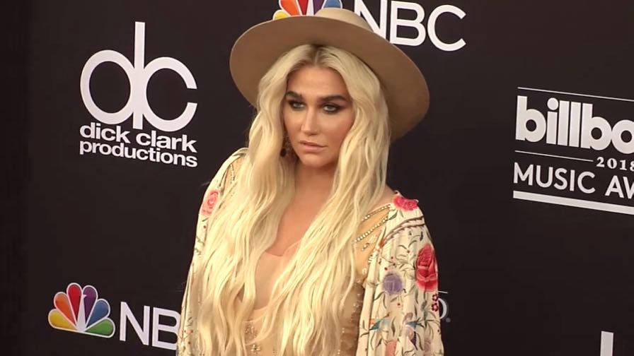 Kesha on the red carpet for the 2018 Billboard Music Awards
