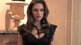 Kelly Brook Takes Piranha 3D to France